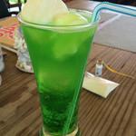あっちゃんのマースカフェ - 塩アイスのクリームソーダ(*^^)