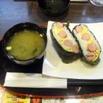 カレーハウスCoCo壱番屋 - ソーセージエッグおにぎり(270円)と味噌汁4(50円)