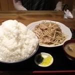 上州屋 - 2010/06 肉もやし炒め定食(肉W)¥1,100+ご飯特々盛り¥300