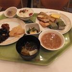 38039104 - 朝食 柿の葉寿司