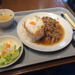38041567 - 鶏肉のバジル炒めセット