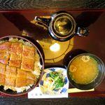 北御門 - 特上鰻丼(3,080円)