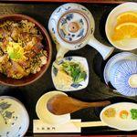 北御門 - ひつまぶし(2,770円)