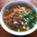 そば処 八千代 - 料理写真:モツラーメン