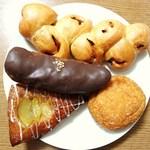 阪急ベーカリー - 料理写真:計432円