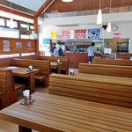 ガーデンレストラン - 屋内テーブル席