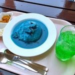 ガーデンレストラン - ネモフィラカレー & メロンソーダ