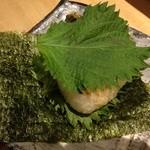 焼鳥 丸屋 - 焼きおにぎり味噌紫蘇、バター醤油もあり〼200円