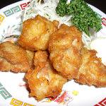一番星 - 一押し!若鶏の唐揚げ。ジューシーで柔らかい若鶏。
