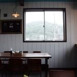 中原水産 - 店内の雰囲気