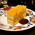 珈琲処ボナール - 2015.5 林檎と桃のケーキ(450円)