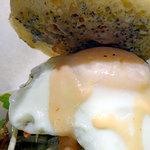 田んぼの中のCafe ヒノデ商店 - ごぼう月見バーガー950円