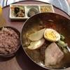 韓国家庭料理 ちゅん亭 - 料理写真:冷麺セット950円(税込)