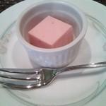 38076834 - 苺のムース