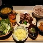 38077747 - パワー定食1200円