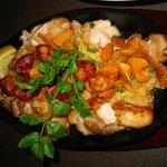 ハナペペ レストランカフェ - ガーリックチキン鉄板焼き