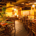フォンダ・デ・ラ・マドゥルガーダ - テーブル席は最大で35名様までご利用可能