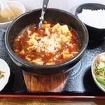 上海酒家 - 名物!石鍋麻婆豆腐650円、この値段は4、5月のみ?