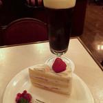 銀座 和蘭豆 - ショートケーキとマタリアイスド
