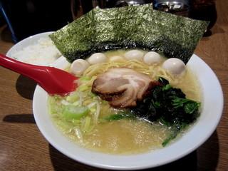 武松家 - 『塩豚骨』¥750円 + 『ウズラ』¥100円 +ライス無料