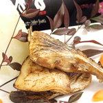 ダイニングデュアル - 炭火焼魚は脂ノリノリで無言で食べ続けてしまう美味しさです☆