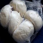 鹿港 - 肉まん 一個140円