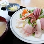 堀添食堂 - お刺身盛り合わせ定食1400円税込