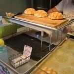 世界で2番めにおいしいメロンパンアイス - 焼きたてメロンパン