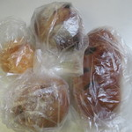ベッラドンナ - この日もいつもの様に朝食用のパンを中心に買って帰ってみました。