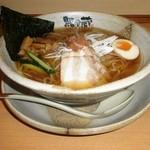越後秘蔵麺 無尽蔵 - 冷やしスープラーメン 880円