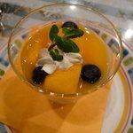 ドルチェモスカート - ☆マンゴーとブラックベリーのプリン(^v^)☆