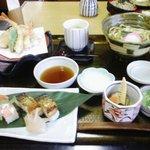 サガミ - 押し寿司天ぷらうどん定食(1580円也)