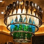 豊祝 - シャンデリアは一升瓶