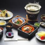 嵐山 辨慶 - 賞嵐弁当2段弁当(天ぷら、フルーツ付)