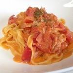 マロンプリン - 料理写真:エビとトマトのクリームパスタ♪