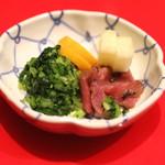 銀座 天一 - あやめ膳 と 季節の天丼 のお新香 (2015/04)