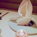 メゾン・ド・ユーロン - テーブルセッティング
