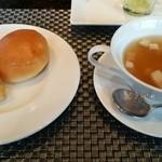 38148680 - スープとパン