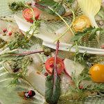 サレルノ - 料理写真:鮮魚のカルパッチョ