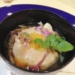 トゥ・ラ・ジョア - 海鮮胡麻豆腐の椀仕立て