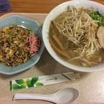 めん宝 - 料理写真:もやしらーめん ¥750+カップやきめし \260