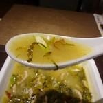 中国大明 火鍋城 天神食府 - あっさりですが深みのあるピリ辛スープ