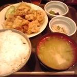 38165454 - とり唐揚げ定食 700円(税込)(2015年5月18日撮影)