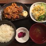 九州酒場だんだん. - 生姜焼き定食750円