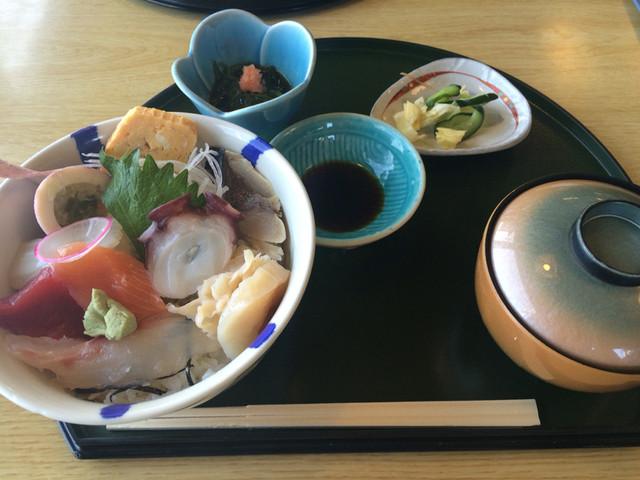 八戸 海鮮 丼