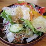 愛庵 - サラダはミックスされてる。