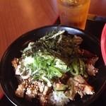 虎と龍 - チャーシュー丼