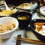 玄米ハウス ひろ作 - 玄米ご飯、長芋梅肉和え、味噌汁