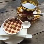 ビザンダイニング - ティラミスとコーヒー