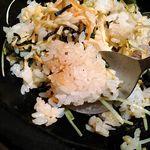 串焼・魚 新宿宮川 - タレを入れてできたオコゲ